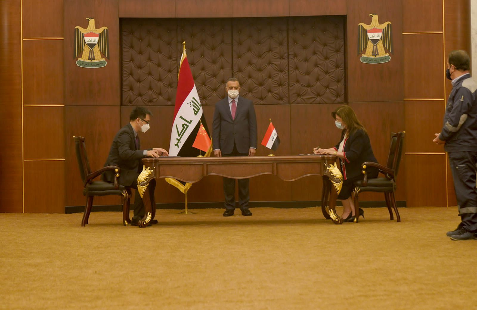 Iraq signs an agreement of principles with China to build solar power plants
