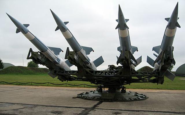المرصد السوري: شحنة من الصواريخ دخلت من العراق إلى ريف دير الزور