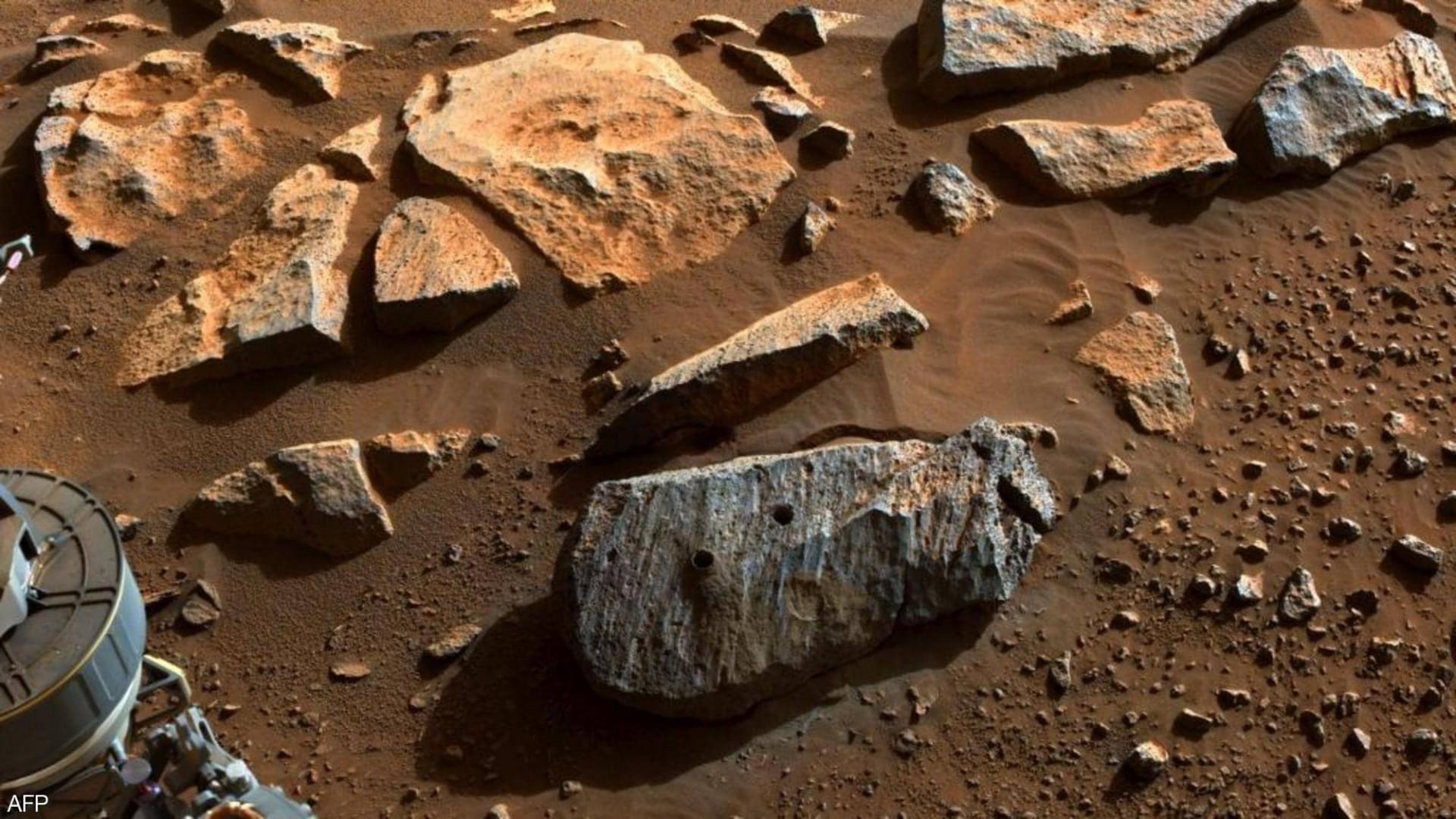 """المريخ.. روبوت يستخرج صخرة قد تشير لوجود """"حياة"""""""