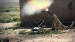 The Iraqi army attacks ISIS terrorists in Makhmour