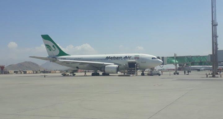 طهران تستأنف رحلاتها الجوية الى كابل.. وفد دبلوماسي إيراني يصل أفغانستان