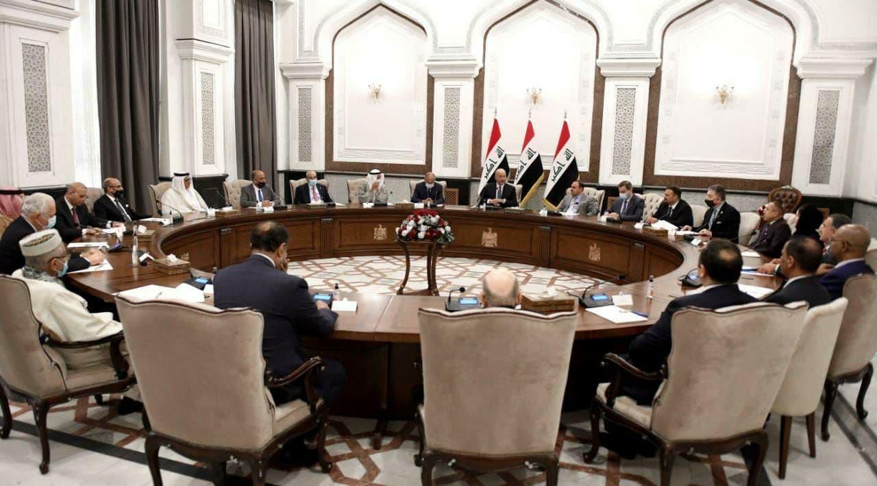 """العراق يطالب العالم بالتعامل """"عسكرياً"""" مع الفساد كما تحالف ضد الإرهاب"""