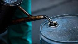 Oil prices advance amid U.S. supply tightness signals