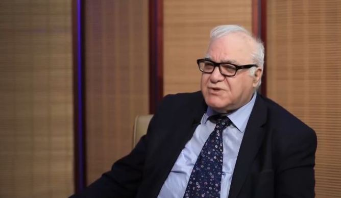 the rise in oil prices would fill the deficit in the budget, Iraqi official says 1633942219181