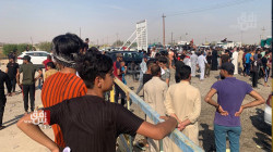 صور .. مؤيدو مرشح خاسر يقطعون طريقا استراتيجيا في ديالى