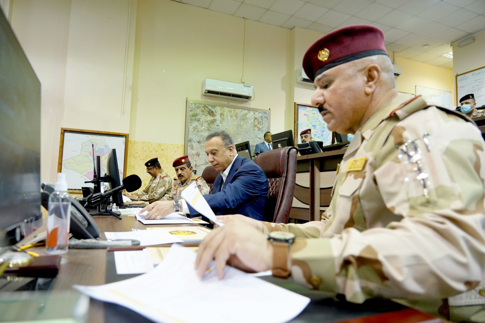PM al-Kadhimi commends the security authorities efforts in securing the ballot boxes