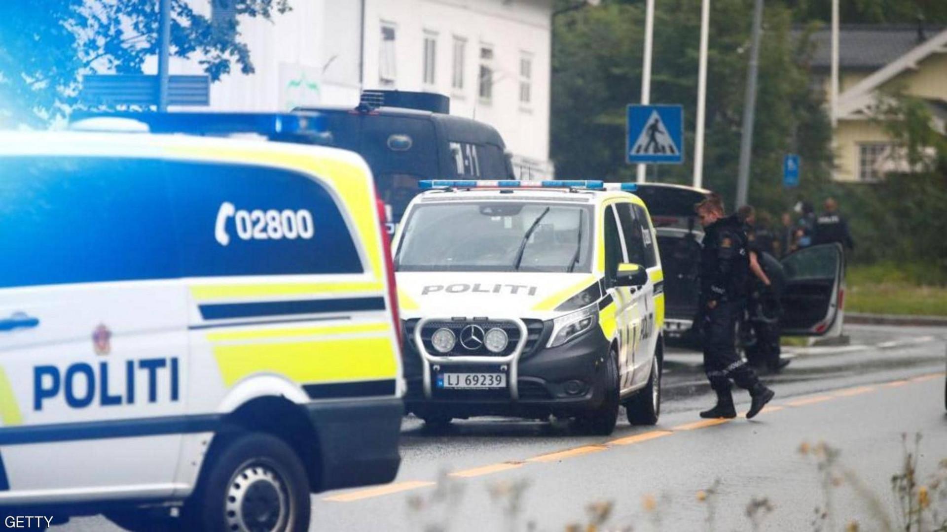 بالقوس والسهم.. رجل يقتل ويصيب عددا من الأشخاص في النرويج