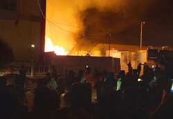 صور.. حرق مديرية لشؤون العشائر جنوبي العراق