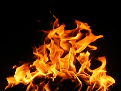 اندلاع حريق داخل عمارة سكن طالبات وسط بغداد