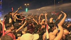تفريق متظاهرين بالرصاص الحي وعشيرتان تسيطران على جسر جنوبي العراق