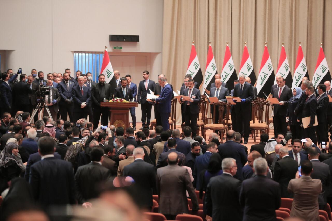 رسميا.. البرلمان يسمي الكاظمي رئيسا للحكومة العراقية بـ15 وزيراً