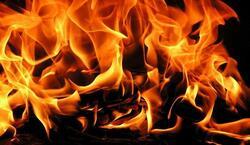 امرأة تضرم النار بجسدها في السليمانية