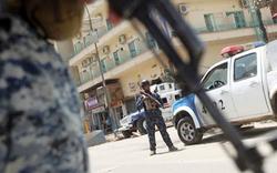 شرطة النجف تعتقل اباً قتل اثنين من اطفاله احدهما رضيع
