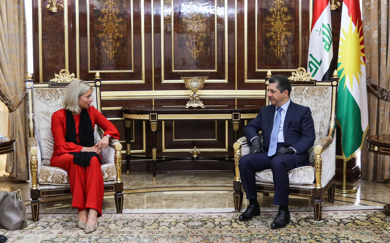 مسرور بارزاني يعلق على قطع بغداد لرواتب اقليم كوردستان