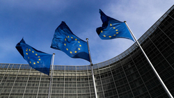 الاتحاد الأوروبي يرسل بعثة لمراقبة الانتخابات العراقية