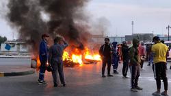 صور.. قطع شوارع في البصرة والشروع بالاضراب