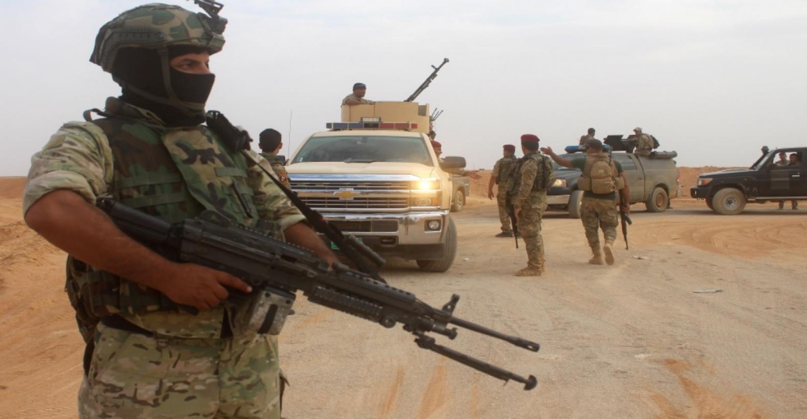 """متحدث عشائري: الجيش يشتبك مع عجلات لـ""""نوادر شمر"""" غرب الموصل"""