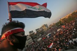 قتيلان و25 جريحا بصدامات بين متظاهرين وقوات امنية ببغداد