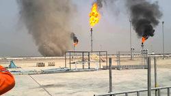 بالفيديو.. اندلاع حريق في حقل نفطي عملاق جنوبي العراق