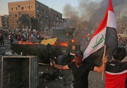 رويترز: 40 قتيلا وجريحا باستخدام الامن القنابل ضد المحتجين ببغداد