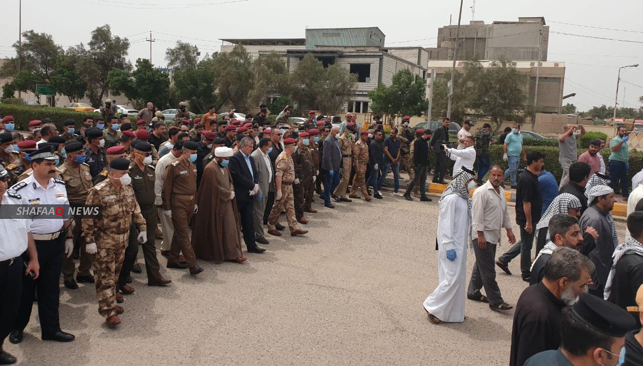 تشييع مهيب لضابط عراقي قضى باشتباك مع عصابة مخدرات في البصرة