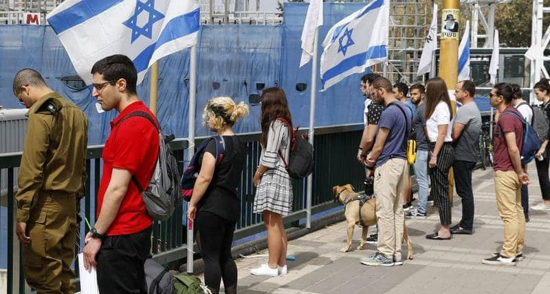 اسرائيل تتوقع بدء محادثات مع دولة عربية