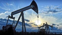 اسعار النفط تنخفض بسبب زيادة المخزونات الامريكية