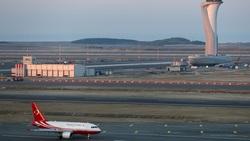 فيديو.. طائرة تنشطر إلى 3 أجزاء في مطار إسطنبول