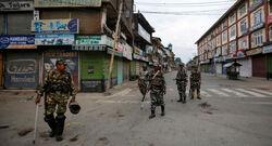 ارتفاع حدة التوتر بين الهند وباكستان ومقتل 8 جنود من الطرفين