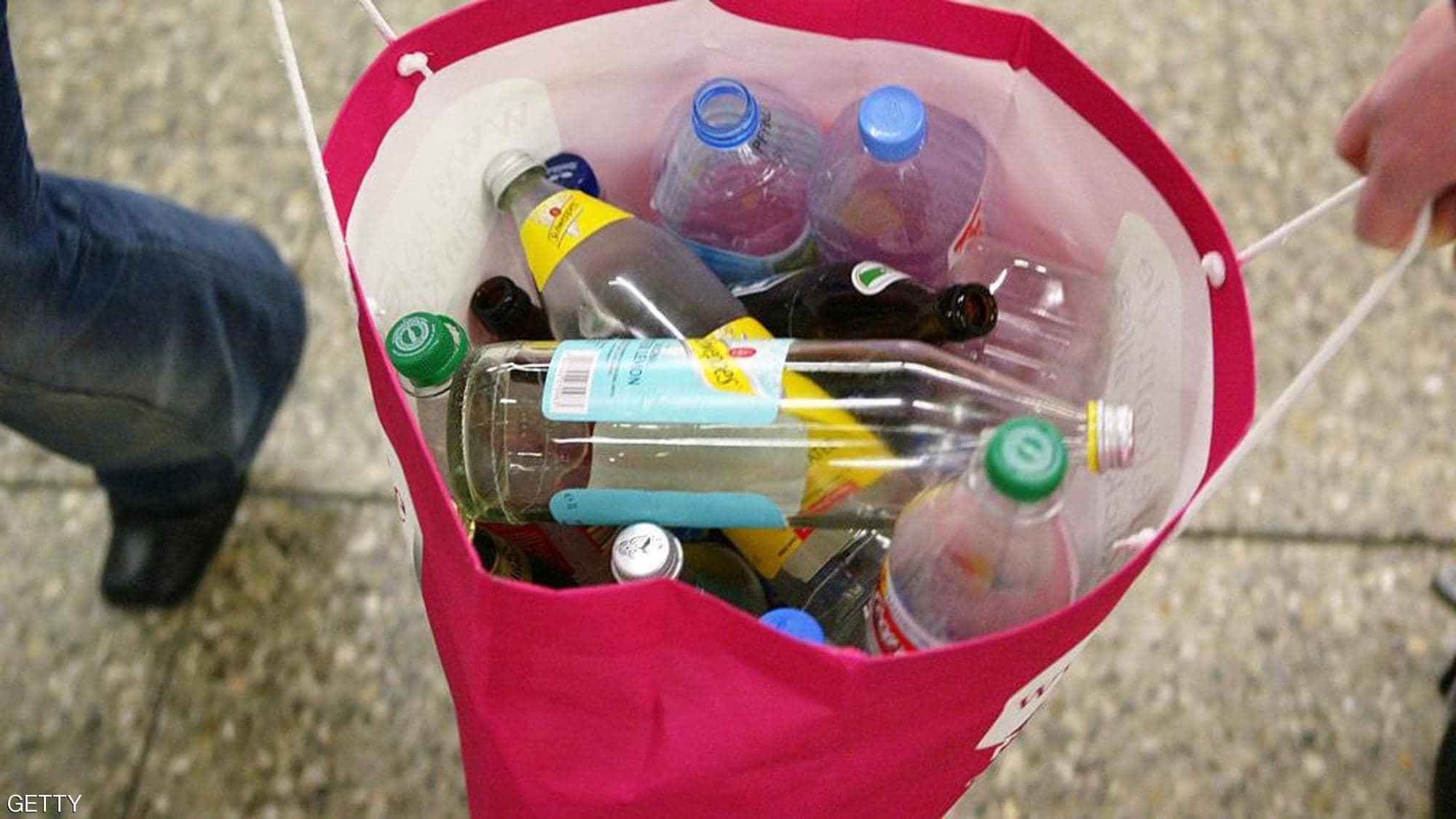 ابتكار طريقة بسيطة لتحويل البلاستيك إلى وقود