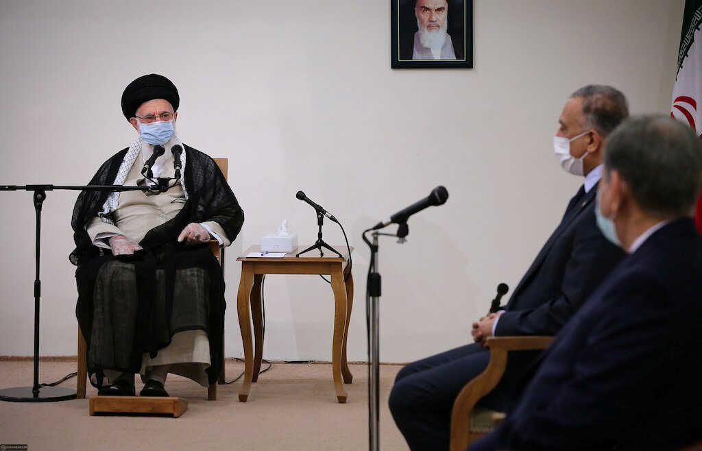 واشنطن ترد على تهديدات خامنئي خلال زيارة الكاظمي