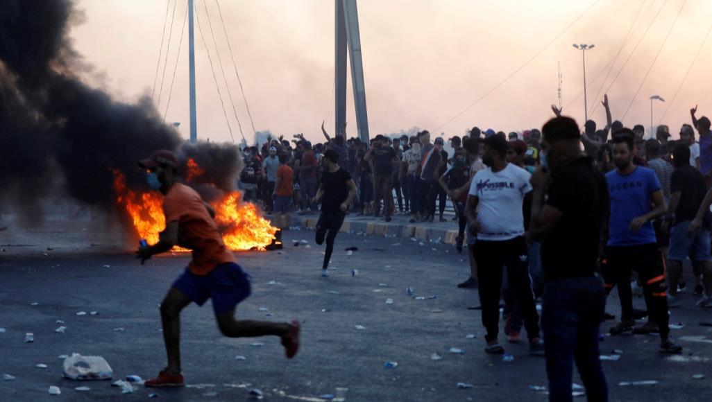 محافظة عراقية تعطل الدوام الرسمي حدادا على ضحايا المتظاهرين في العاصمة بغداد