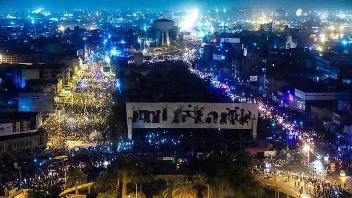 صور+ فيديو.. البغداديون يكسرون حظر التجوال وينزلون الى الشوارع بآلاف