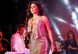 اللبنانية إليسا تصدم متابعيها على تويتر بتغريدة عن اعتزالها