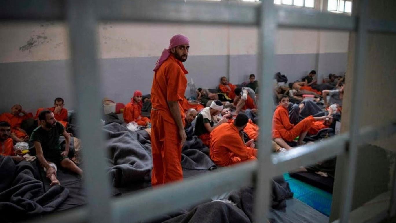 لندن طلبت من برهم صالح ضمانات.. سجناء داعش البريطانيين بانتظار مقصلة الإعدام العراقية