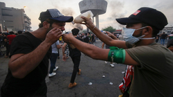 مؤسسة بارزاني الخيرية تقدم مساعدات لذوي ضحايا الاحتجاجات في العراق