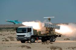 """إيران تختبر بـ""""نجاح"""" جيلا جديدا من الصواريخ"""