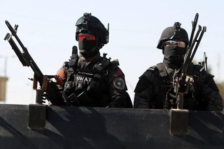 مسلحون يقتحمون نادياً رياضياً ويهددون بقتل اعضاء ادارته