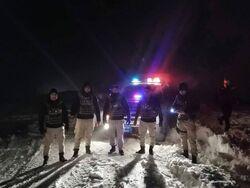 شرطة دهوك تنقذ مجموعة من الشباب علقوا وسط الثلوج في جبل
