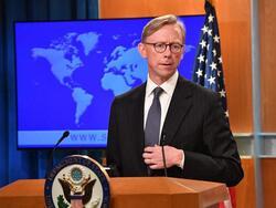 هوك: لا دور لواشنطن بالهجمات على الحشد الشعبي لكننا سنعاقب من يتعامل مع ايران