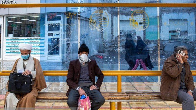 200 ألف شخص غادروا بؤرة كورونا في إيران للإحتفال بنوروز
