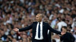 """غضب لدى جماهير ريال مدريد بسبب """"قنابل زيدان"""" الزائفة"""