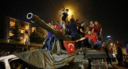المؤبد لـ121 شخصا لمشاركتهم بعملية الانقلاب في تركيا