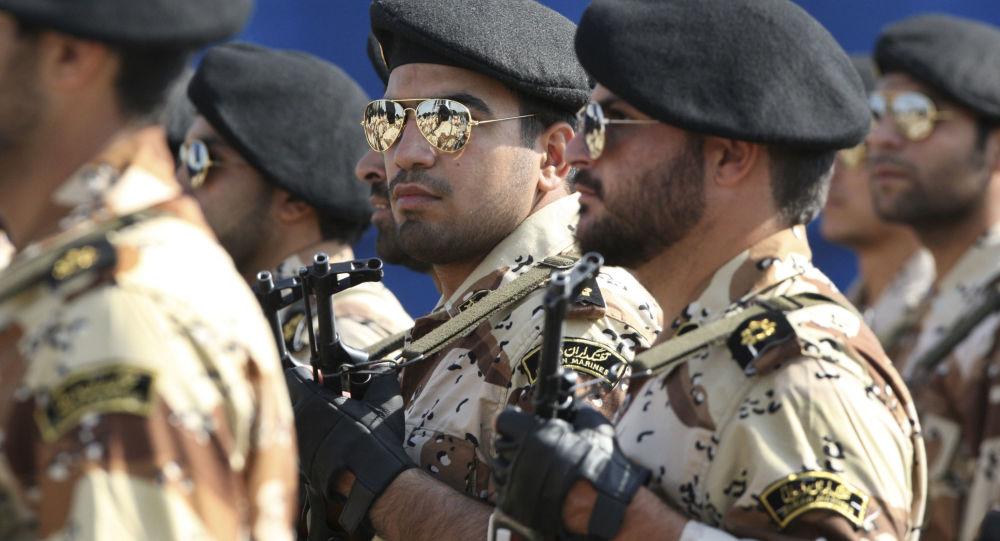 الحرس الإيراني يهدد باستهداف القواعد الأمريكية في الدول العربية المجاورة