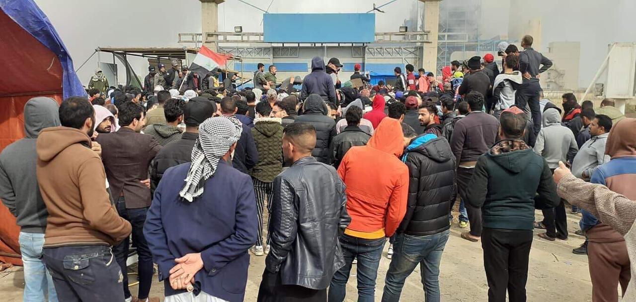 اغلاق محطة حرارية بواسط من قبل المتظاهرين ومنع دخول او خروج موظفيها