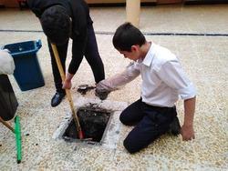 صور .. وزير تربية اقليم كوردستان يعاقب مدير مدرسة بشدة لهذا السبب